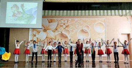 З Днем працівників освіти вітали школярі своїх вчителів